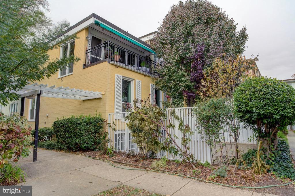View of property - 154 G ST SW #149, WASHINGTON