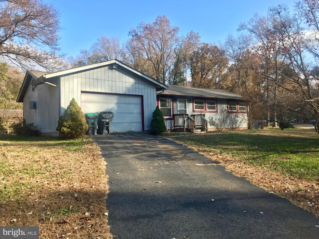 1 level living with attached garage - 10601 ROBIN LN, SPOTSYLVANIA
