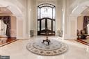 Foyer / Reception - 904 CHINQUAPIN RD, MCLEAN