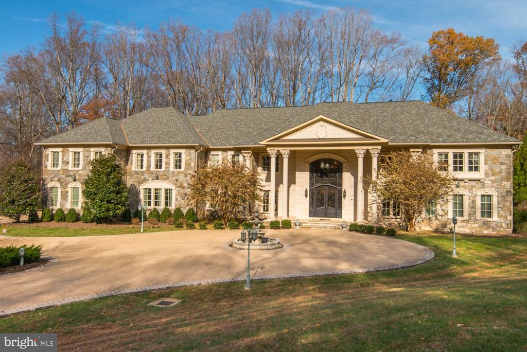 Grand Estate - 904 CHINQUAPIN RD, MCLEAN