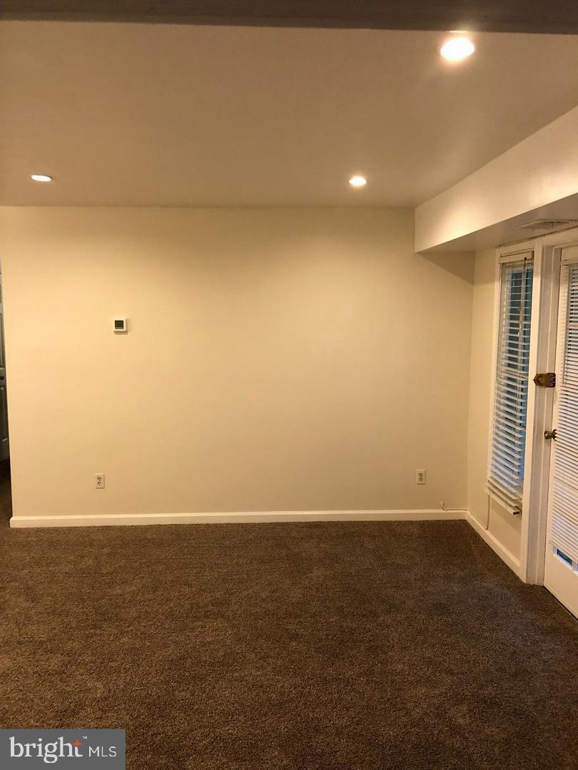 Additional photo for property listing at  Springfield, Virginia 22152 Estados Unidos