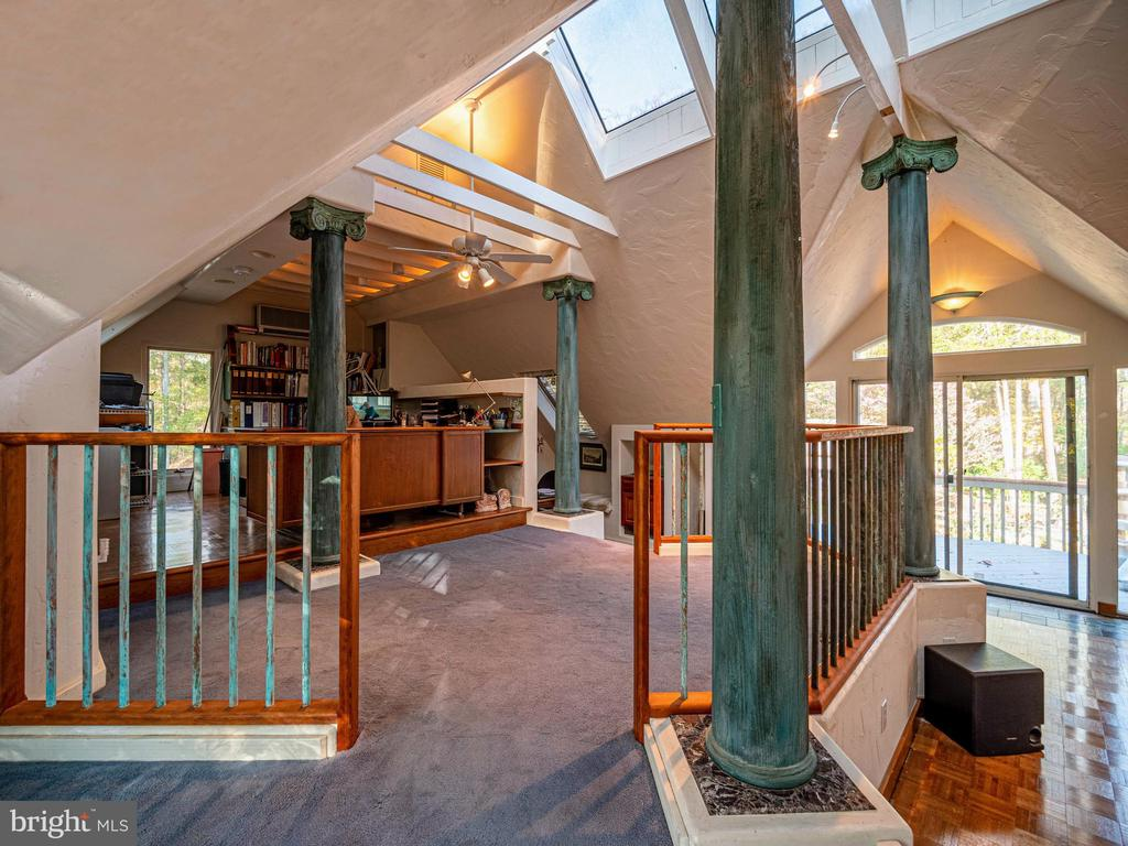 Upper level is the 4th Bedroom/ Office - 4610 FRIENDSHIP ACRES RD, NANJEMOY