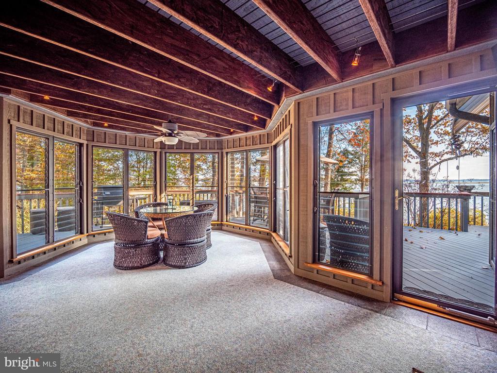 3 season screen porch/sunroom - views, views! - 4610 FRIENDSHIP ACRES RD, NANJEMOY