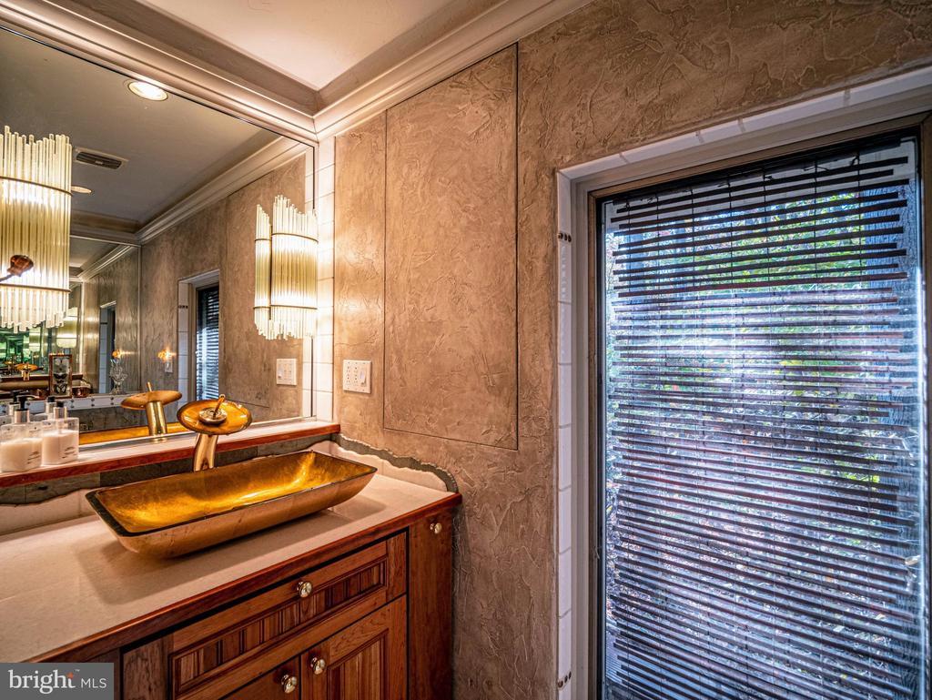 Master Bath Powder Room - 4610 FRIENDSHIP ACRES RD, NANJEMOY