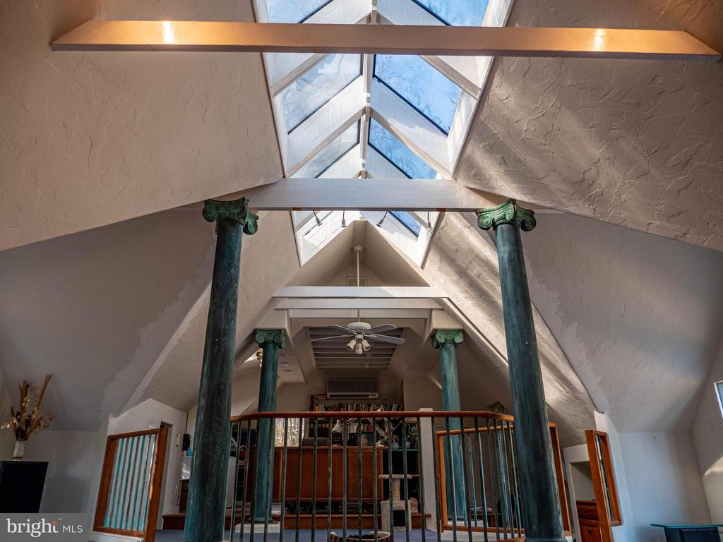 Ridge skylights, 200 year old columns, copper rail - 4610 FRIENDSHIP ACRES RD, NANJEMOY