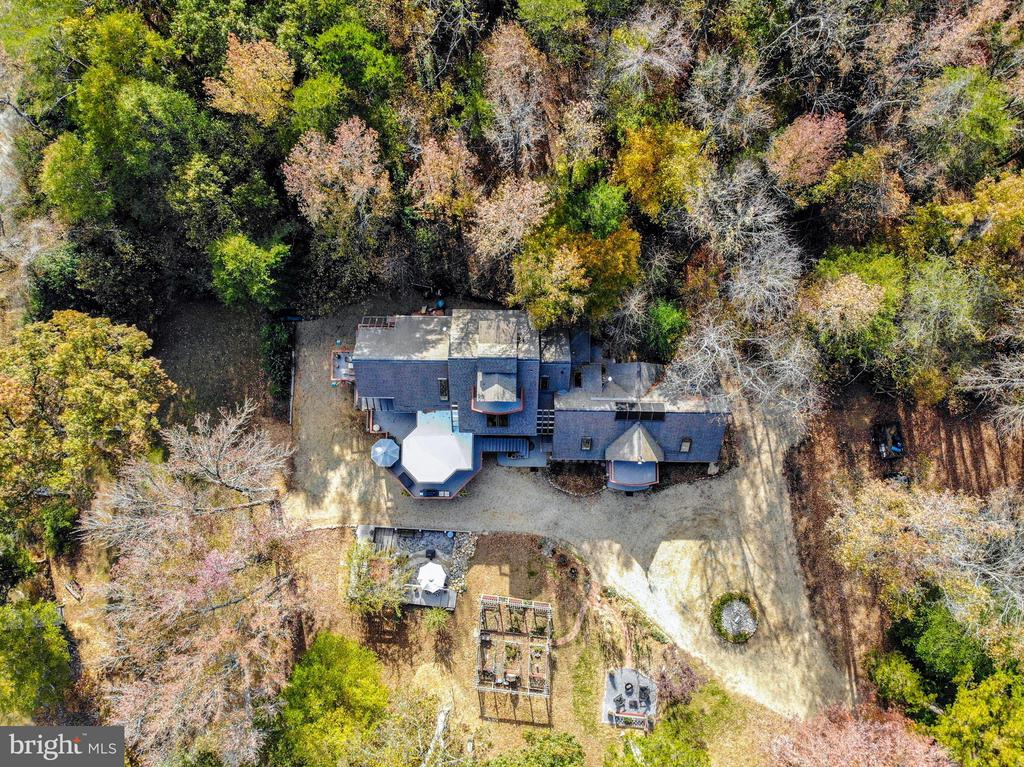 Nestled in the woods for privacy - 4610 FRIENDSHIP ACRES RD, NANJEMOY