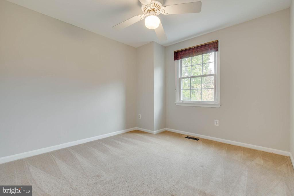 Ceiling fans in all bedrooms! - 7421 FOXLEIGH WAY, ALEXANDRIA