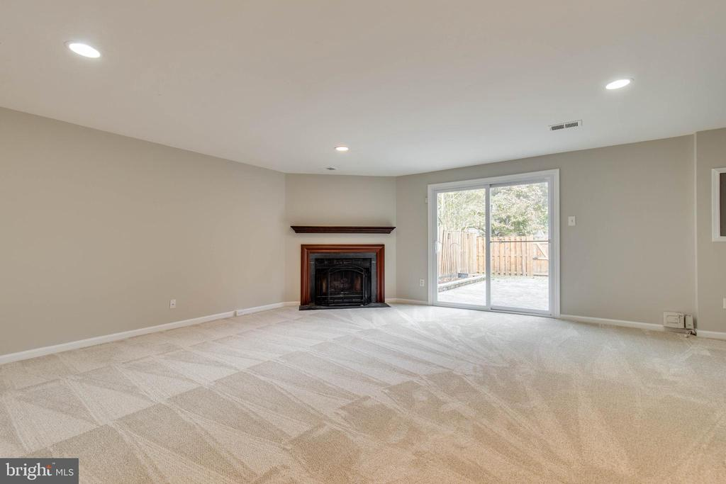 BRAND NEW carpet in basement - 7421 FOXLEIGH WAY, ALEXANDRIA
