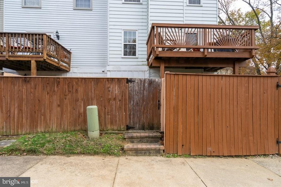 Additional photo for property listing at  Crofton, Maryland 21114 United States