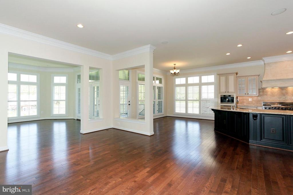 OPEN FLOORPLAN - 1351 VERRIER CT, VIENNA