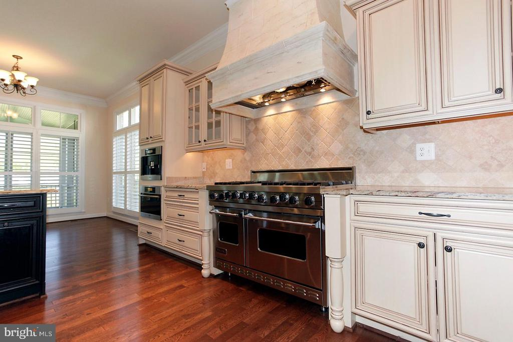 CUSTOM CABINETS - 1351 VERRIER CT, VIENNA