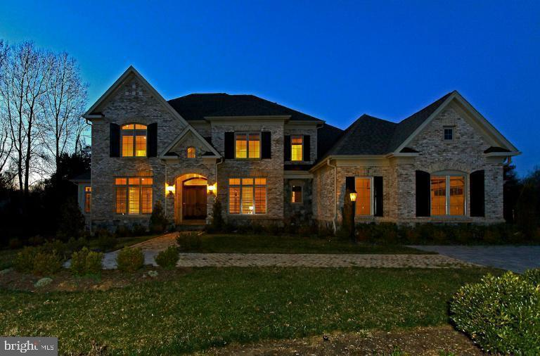 WELCOME HOME AT NIGHT! - 1351 VERRIER CT, VIENNA