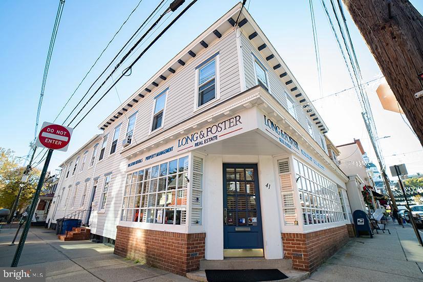 Single Family Homes para Venda às Annapolis, Maryland 21401 Estados Unidos