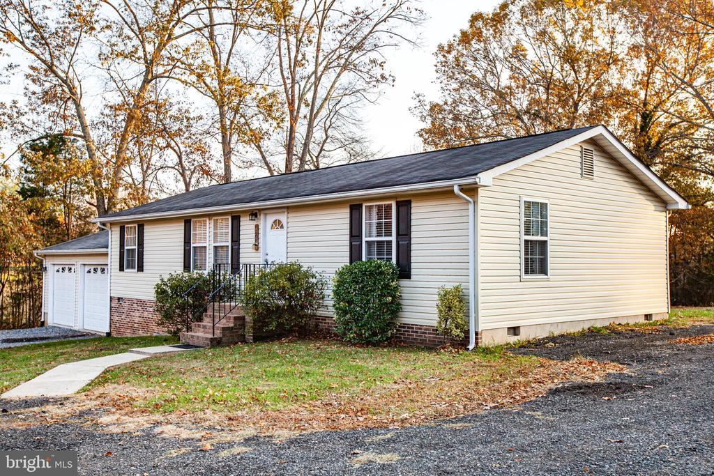 Left side view of property - 8708 BROCK RD, SPOTSYLVANIA