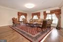 Upper Level Family Room - 904 CHINQUAPIN RD, MCLEAN