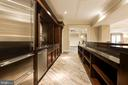 Wet Bar Details - 904 CHINQUAPIN RD, MCLEAN