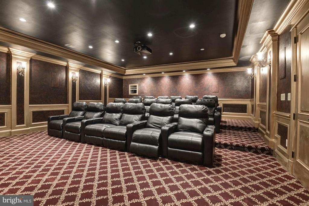 18-seat Home Cinema - 904 CHINQUAPIN RD, MCLEAN