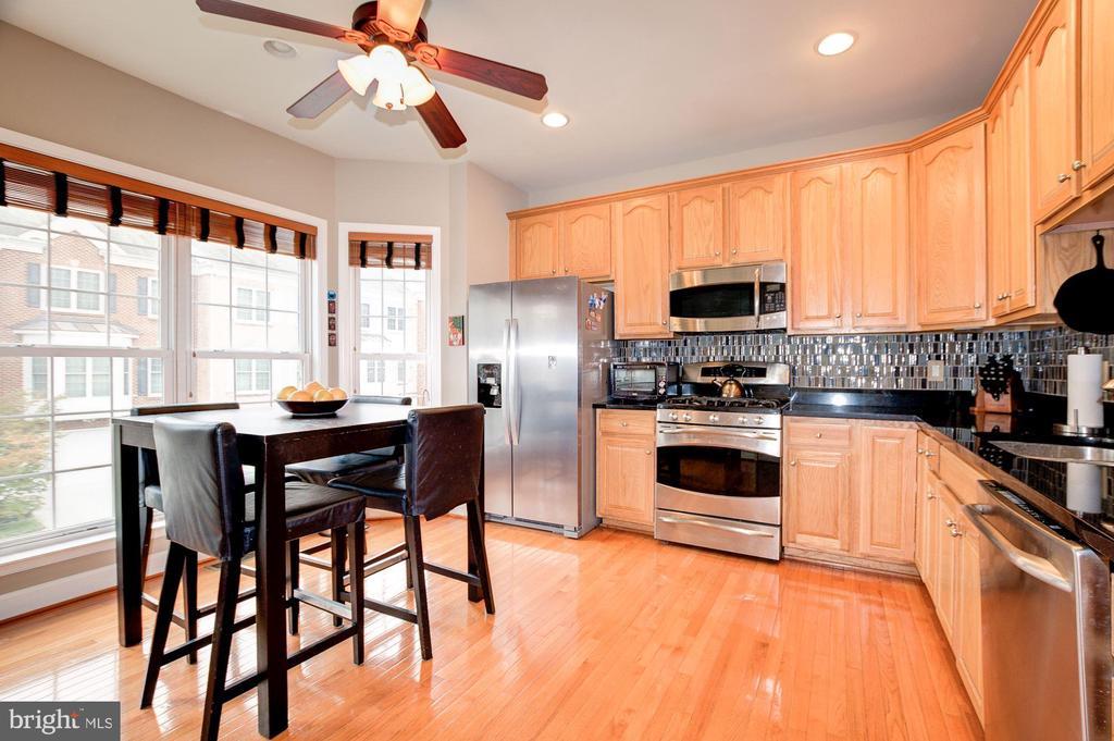 Spacious Kitchen - 3245 THEODORE R HAGANS DR NE, WASHINGTON