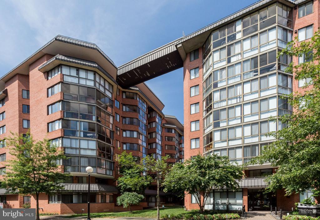 WestView at Ballston - 1024 N UTAH ST #721, ARLINGTON