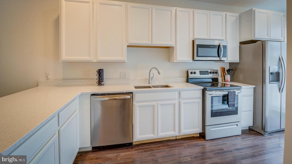 Unit B Kitchen - 4314 14TH ST NW, WASHINGTON