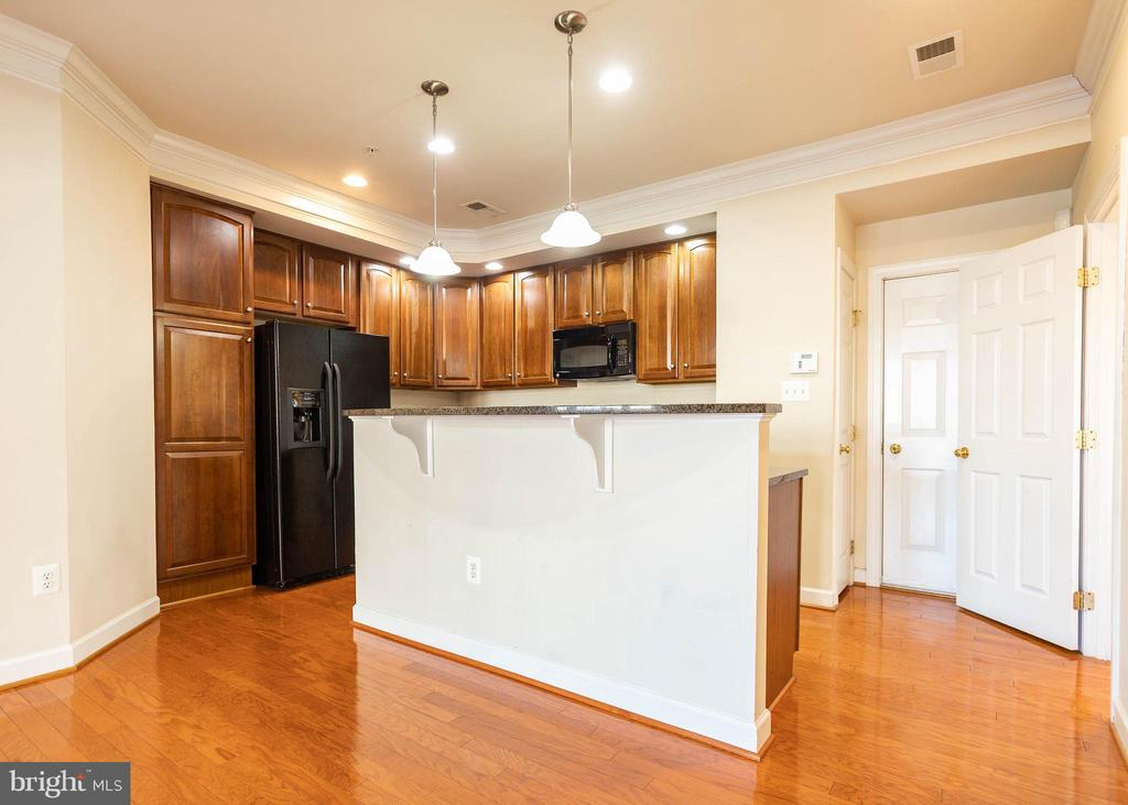 Open Concept Kitchen - 9501 KNIGHTS WALK, FREDERICK
