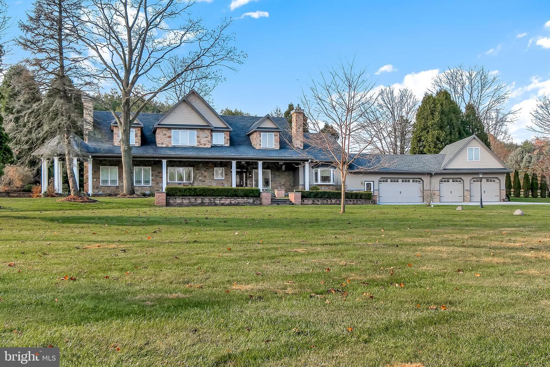 Single Family Homes للـ Sale في Reinholds, Pennsylvania 17569 United States