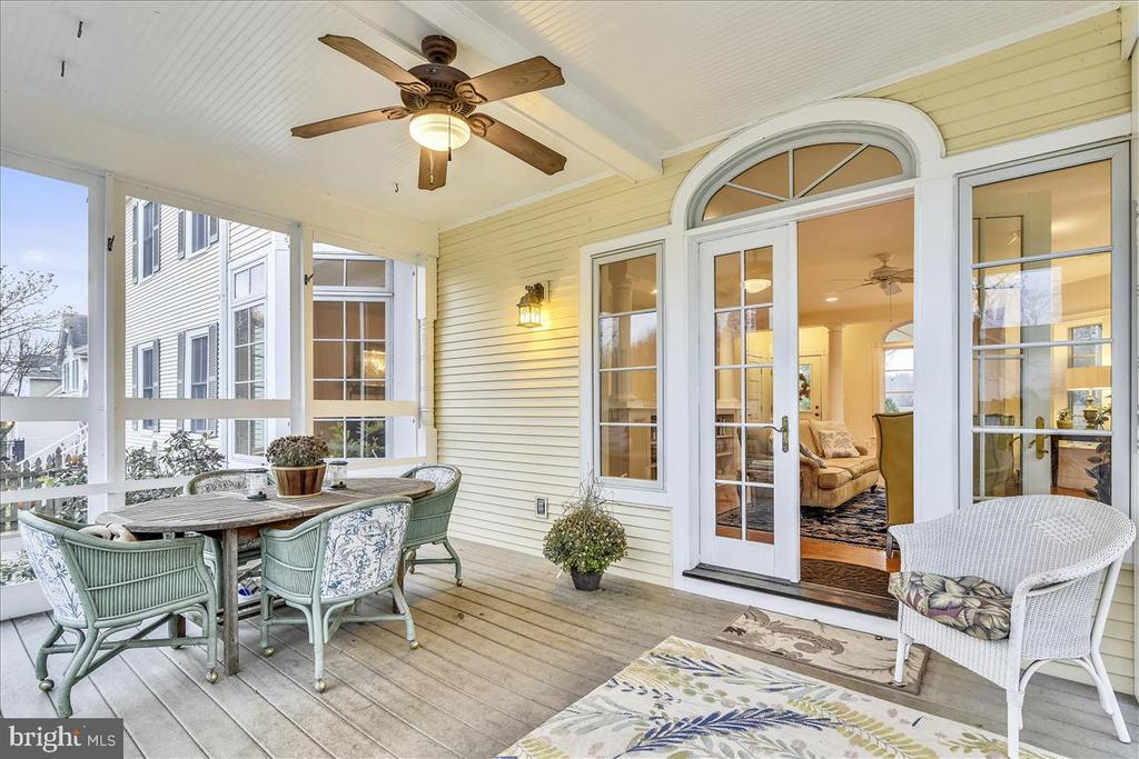 Screened Porch off Family Room - 15 HIGH ST, ROUND HILL