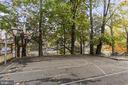 Outdoor basketball court - 1307 N ODE ST #404, ARLINGTON