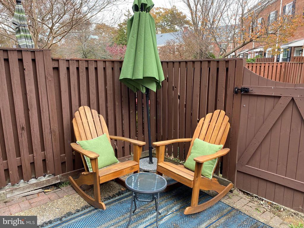 Charming patio - 3327 S STAFFORD ST, ARLINGTON