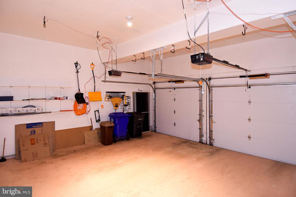 HUGE 2 CAR GARAGE WITH TESLA CHARGE OUTLET - 8237 GALLERY CT, MONTGOMERY VILLAGE