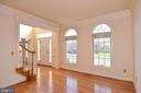 WINDOWS BRING IN THE NATURAL SUNLIGHT - 8237 GALLERY CT, MONTGOMERY VILLAGE
