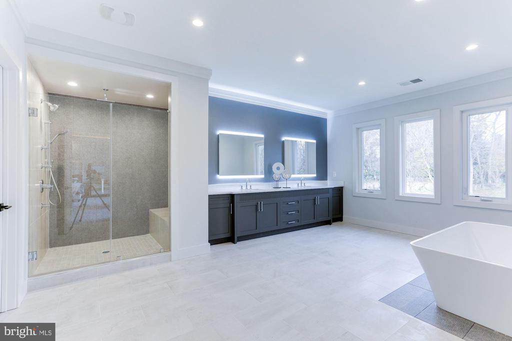 Huge modern master bath with custom tile - 1823 BEULAH RD, VIENNA
