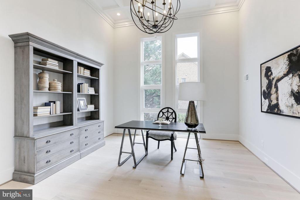 Stunning study with towering ceilings - 1823 BEULAH RD, VIENNA