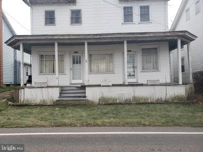Duplex Homes 용 매매 에 Valley View, 펜실바니아 17983 미국
