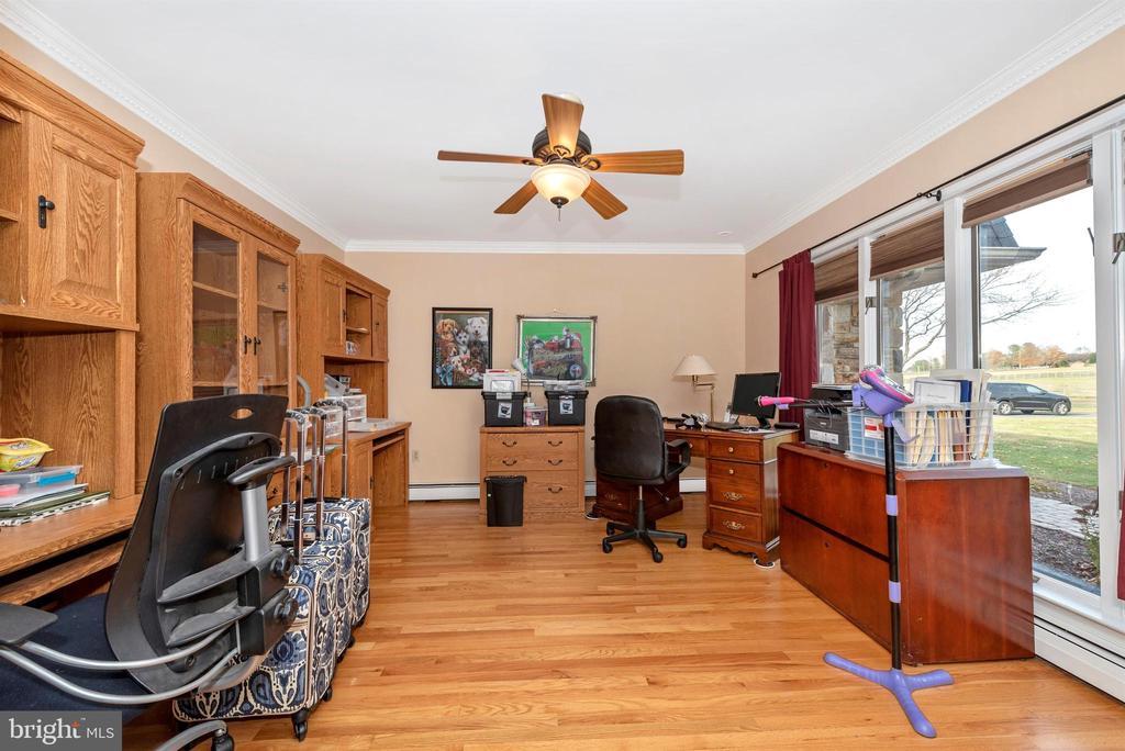 Main level office. - 5302 IJAMSVILLE RD, IJAMSVILLE