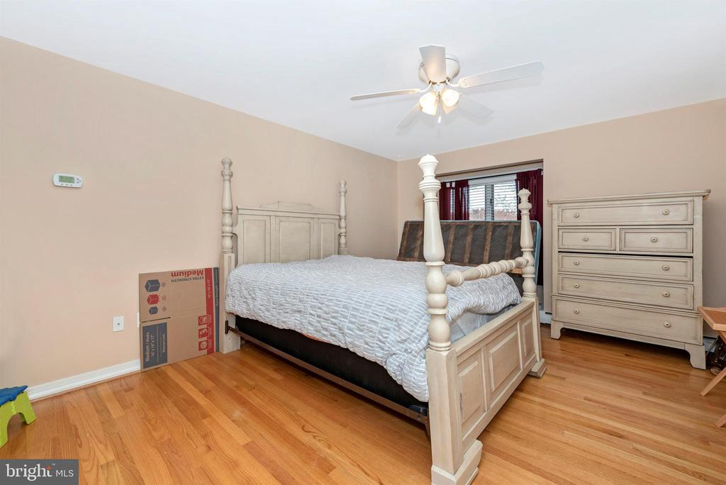 Third upper level bedroom. - 5302 IJAMSVILLE RD, IJAMSVILLE
