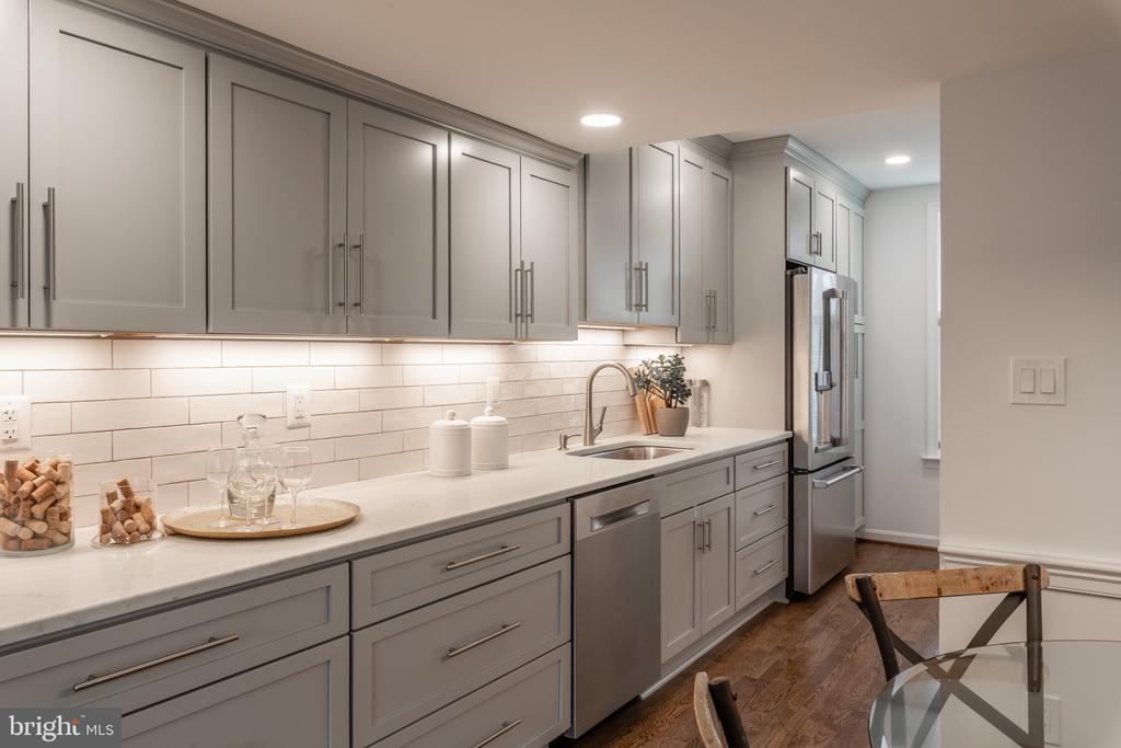 Brand New Kitchen, October 2019 - 620 S LEE ST, ALEXANDRIA