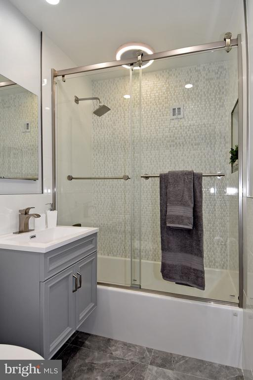 Bathroom - 54 G ST SW #113, WASHINGTON