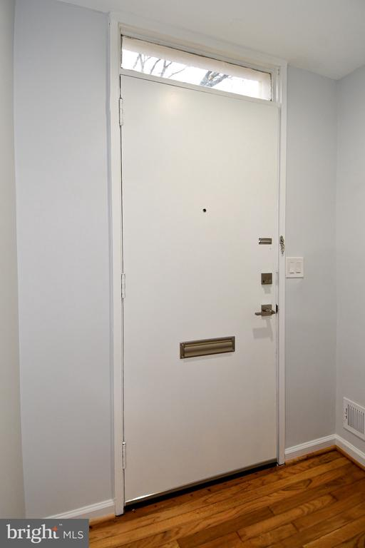 Entryway - 54 G ST SW #113, WASHINGTON