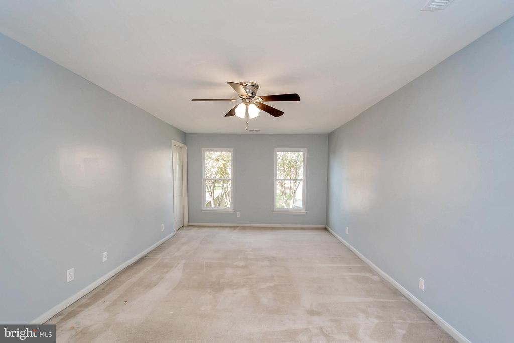 Spacious Master Bedroom 1 - 64 BRITTANY LN, STAFFORD