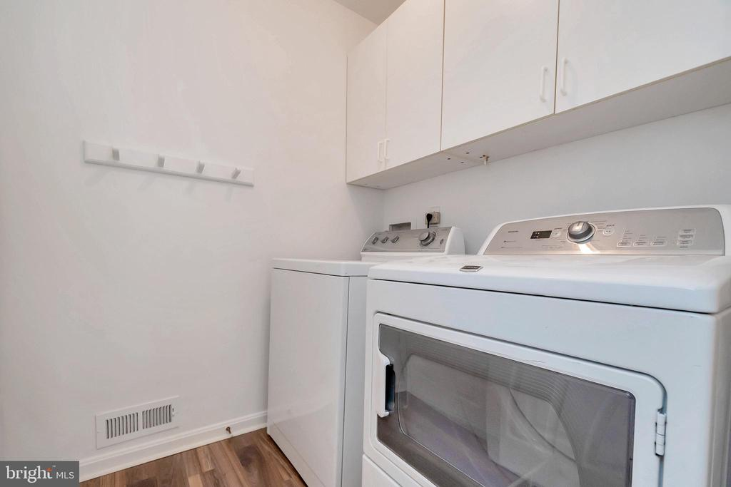 Main Level Laundry Room - 64 BRITTANY LN, STAFFORD