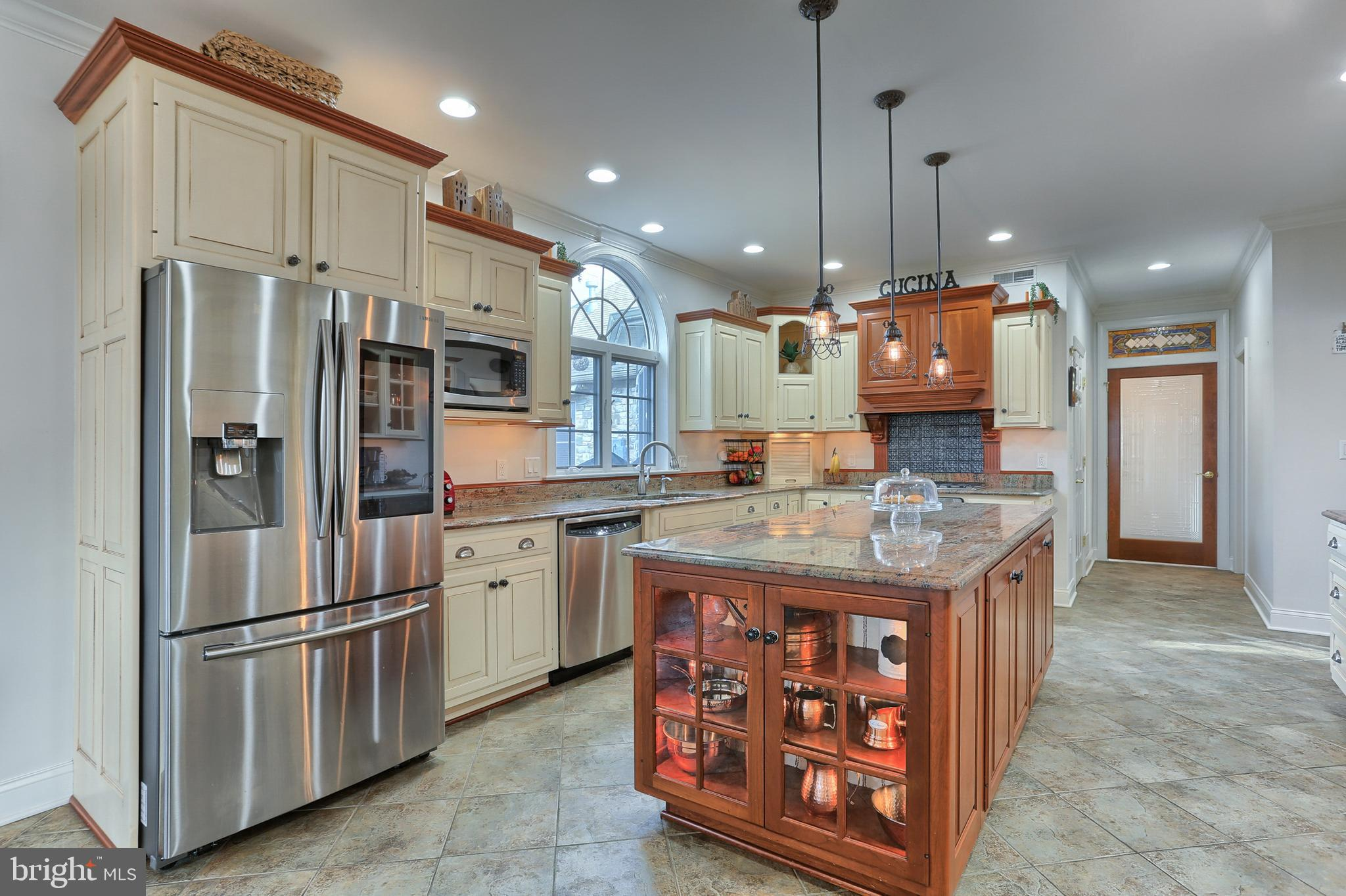 Beautiful Cabinetry provides Ample Storage