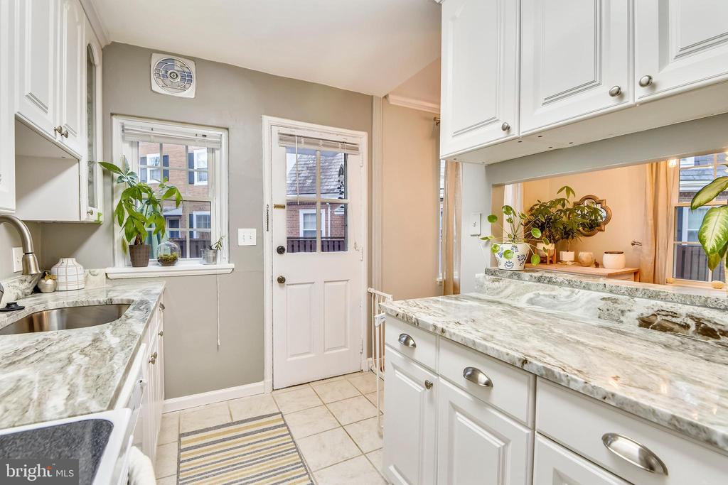 View from the rear of the kitchen - 3327 S STAFFORD ST, ARLINGTON