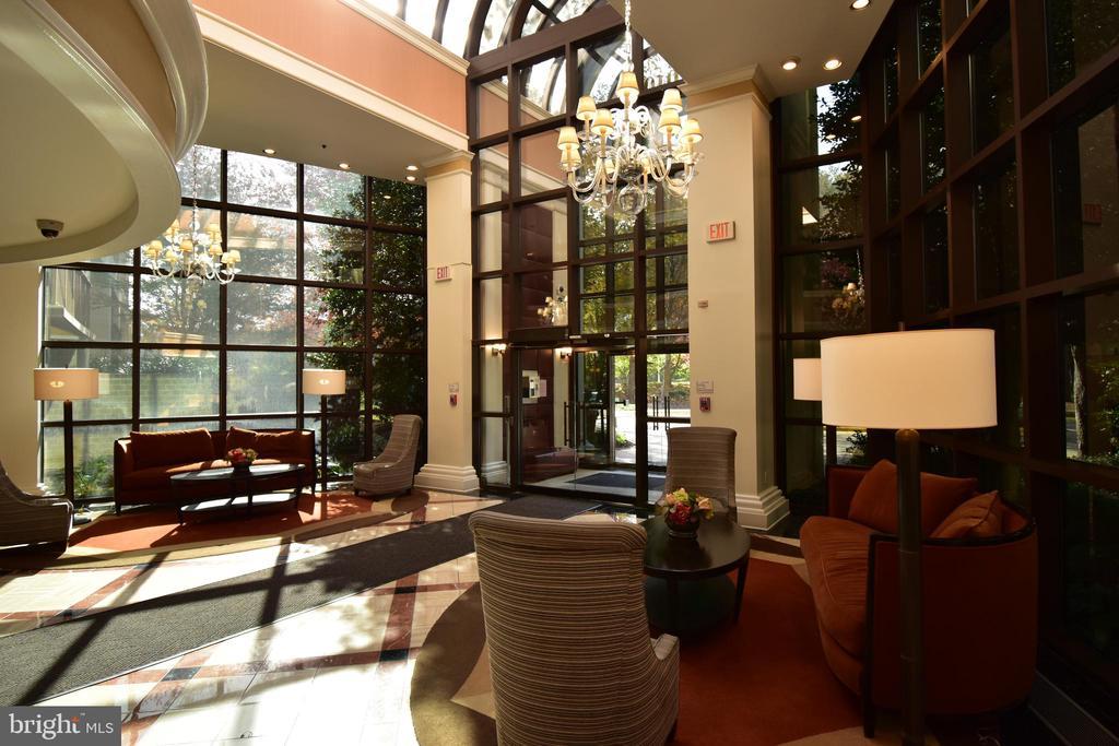Main lobby - 10101 GROSVENOR PL #1919, ROCKVILLE