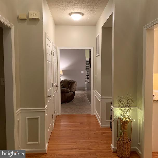 This is the front hall way - 10202 BLAKELY ST, FREDERICKSBURG