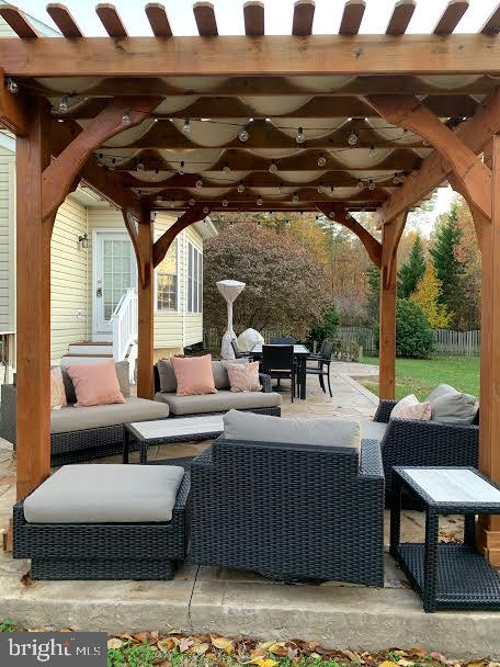 This is the back deck - 10202 BLAKELY ST, FREDERICKSBURG