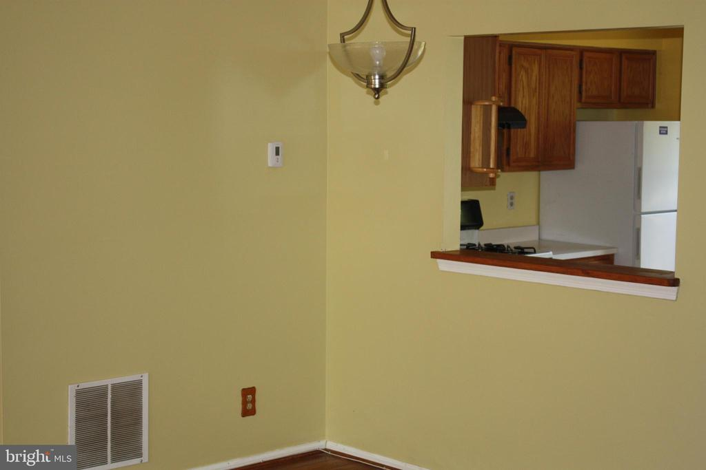 Main Dining Area - 3610 WOOD CREEK DR, SUITLAND