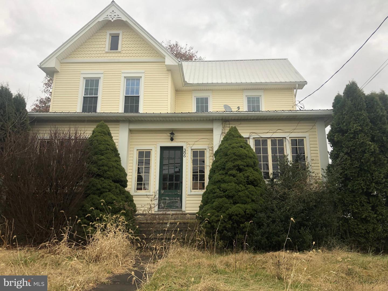 Single Family Homes para Venda às Thompsontown, Pensilvânia 17094 Estados Unidos