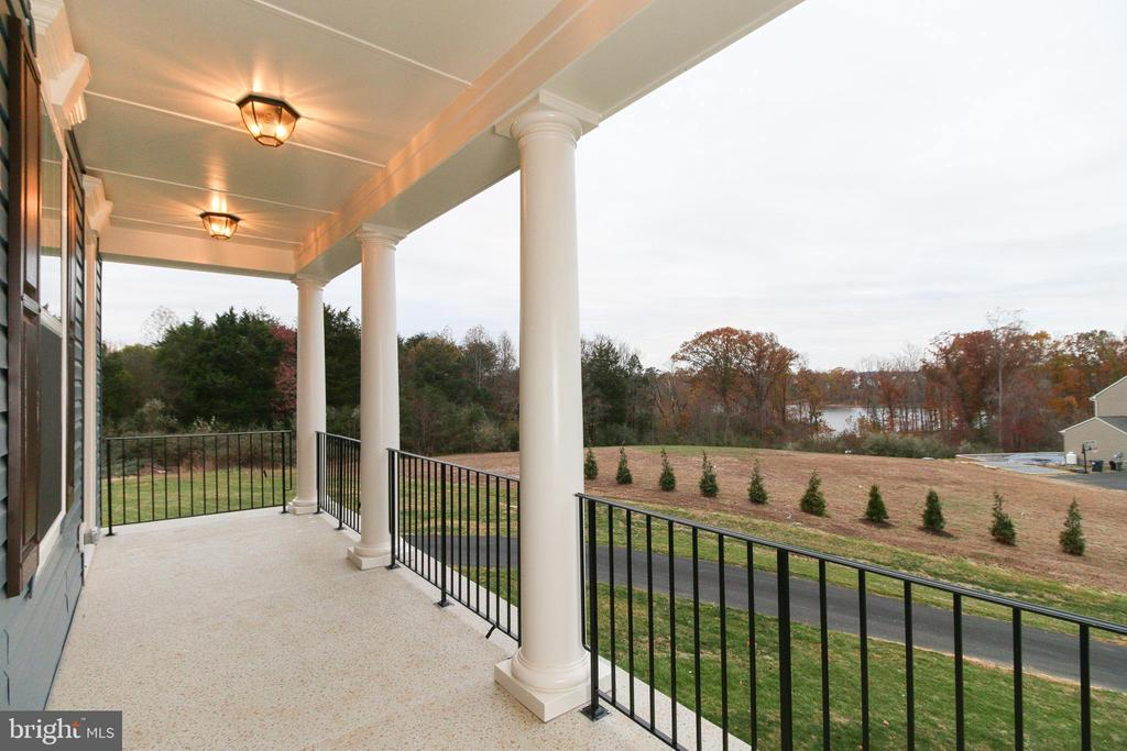 Upper Level Front Porch - 39 WALDEN POND CT, FREDERICKSBURG