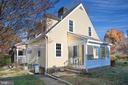 Classis Cape Cod with side porch - 1612 FRANKLIN ST, FREDERICKSBURG